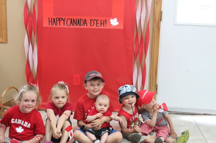 Happy Canada Day - Photo booth with Kids