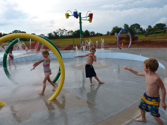 Splash pad - Kids playing and enjoying themselves