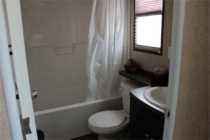 Cottager - Bathroom 1