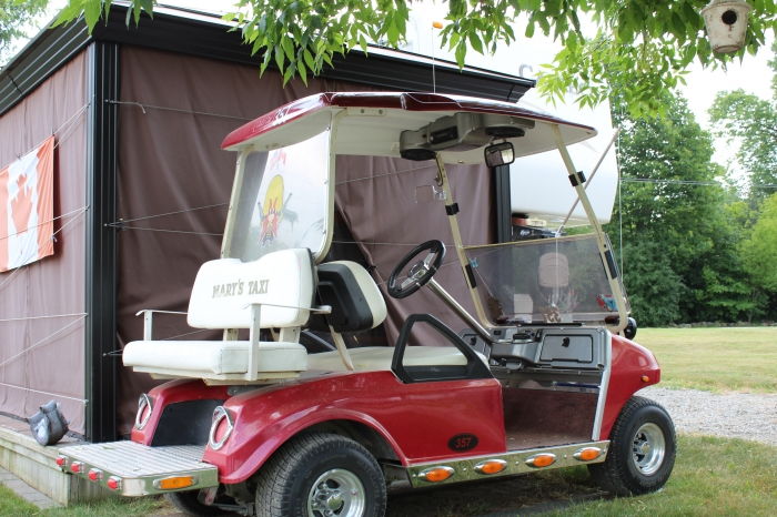 Golf Cart comes with Carriage Cameo 5th Wheel
