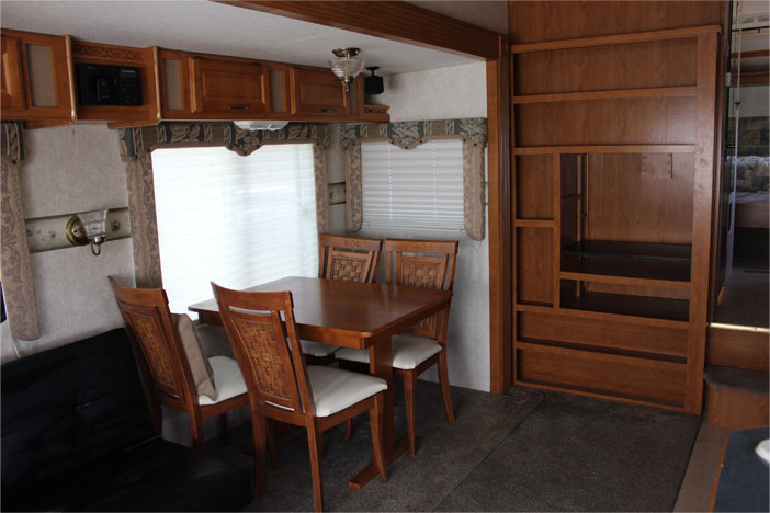 Trailer Rental Unit - Ditchen