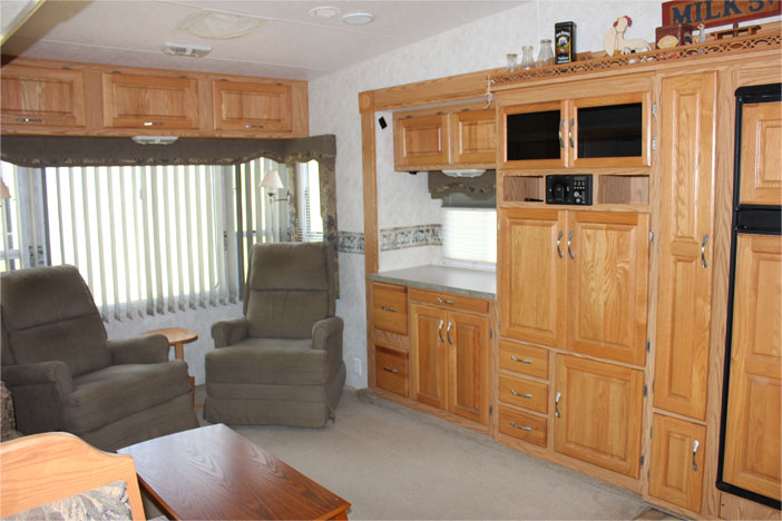 Trailer Rental Unit - Wall Unit